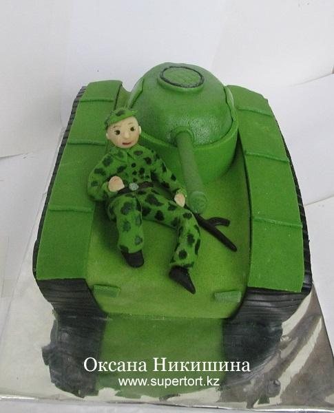 Торт Танкист на танке