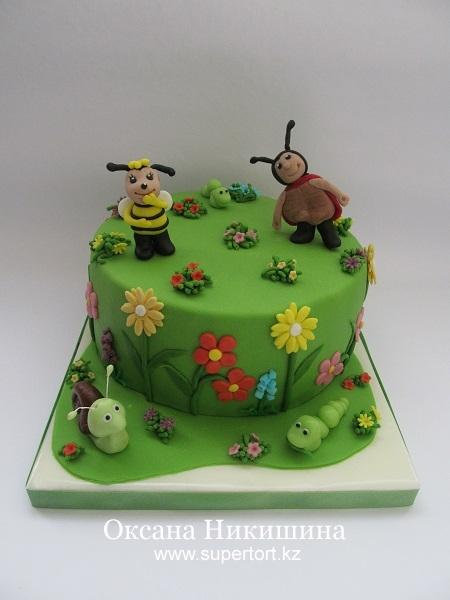 Торт Веселые букашки на полянке